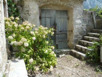 Дом в Черногории под реконструкцию