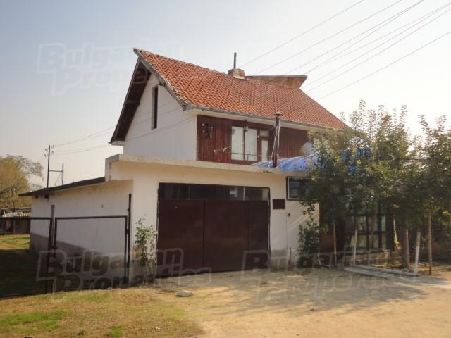 Дом - Болгария - Старозагорская область - Чирпан, основное фото