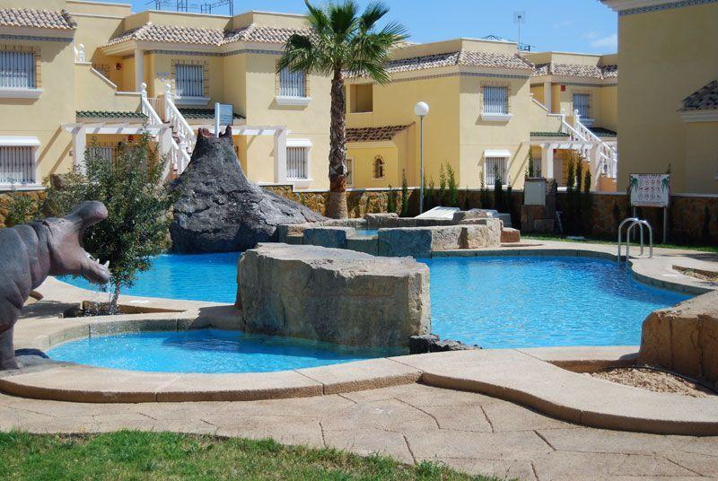 Стоит ли покупать недвижимость в кампоаморе испания