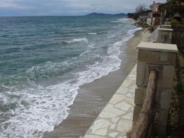 Купить таунхаус в греции на берегу моря